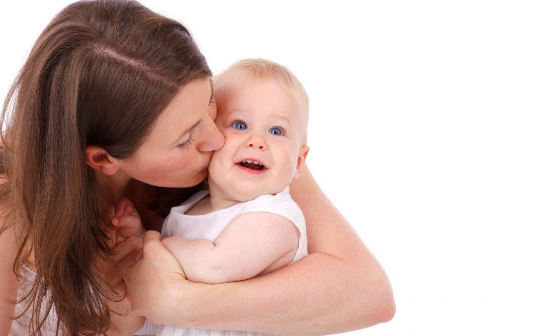 Hiusten värjäminen raskaus- tai imetysaikana