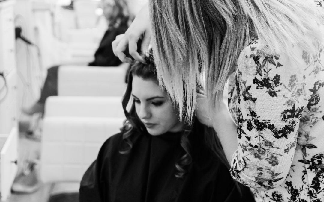 Onko sinulla ongelmana kuiva hiuspohja, hilse, kutina, rasvoittuminen tai hiustenlähtö?