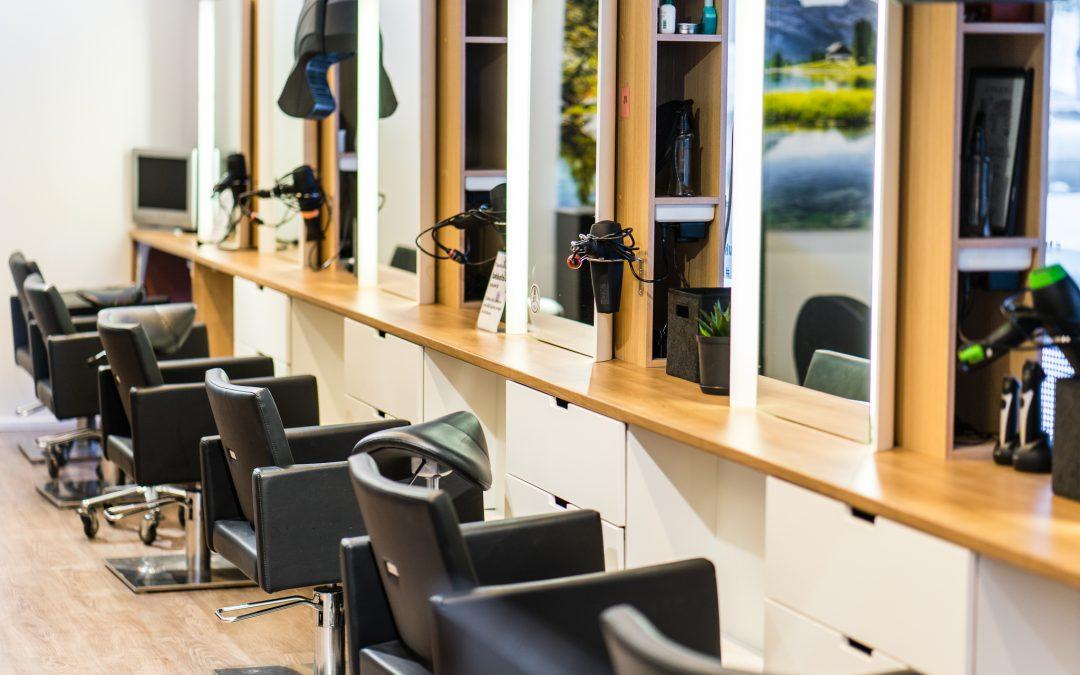 Tukkatalo avaa ovet PRIVAT vastaanotolla 20.04 lähtien.